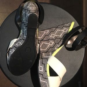 Sam & Libby Shoes - Brand new!! Amazing with a tan